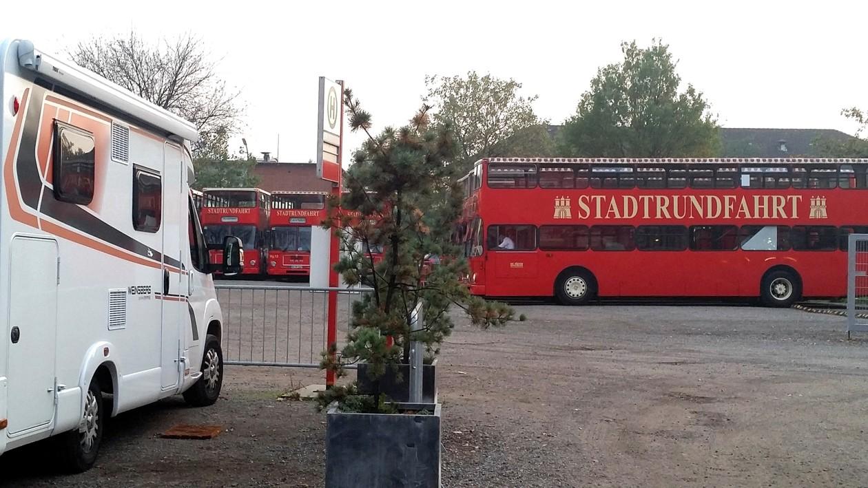 05-HH-Nur einen Schritt zum Bus...