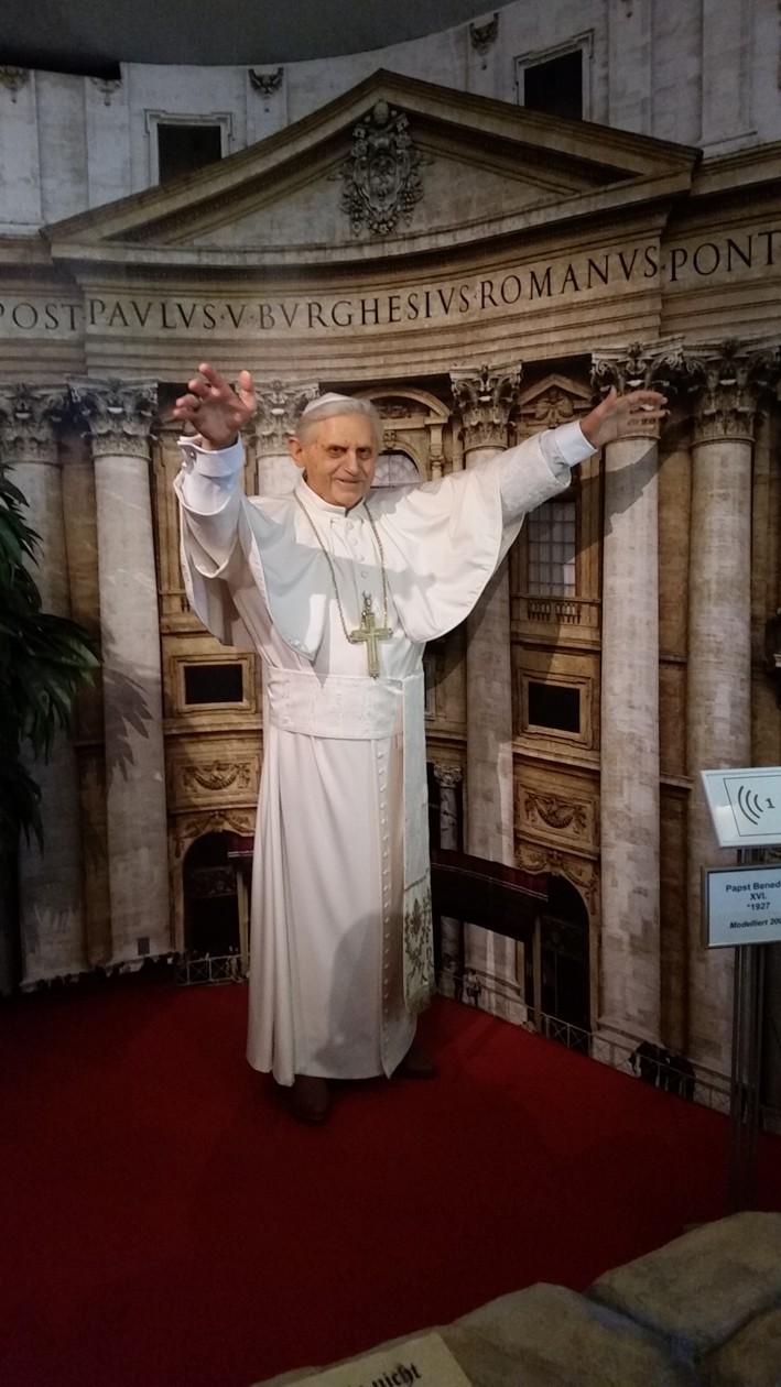 18-Papst Benedikt in Wachs