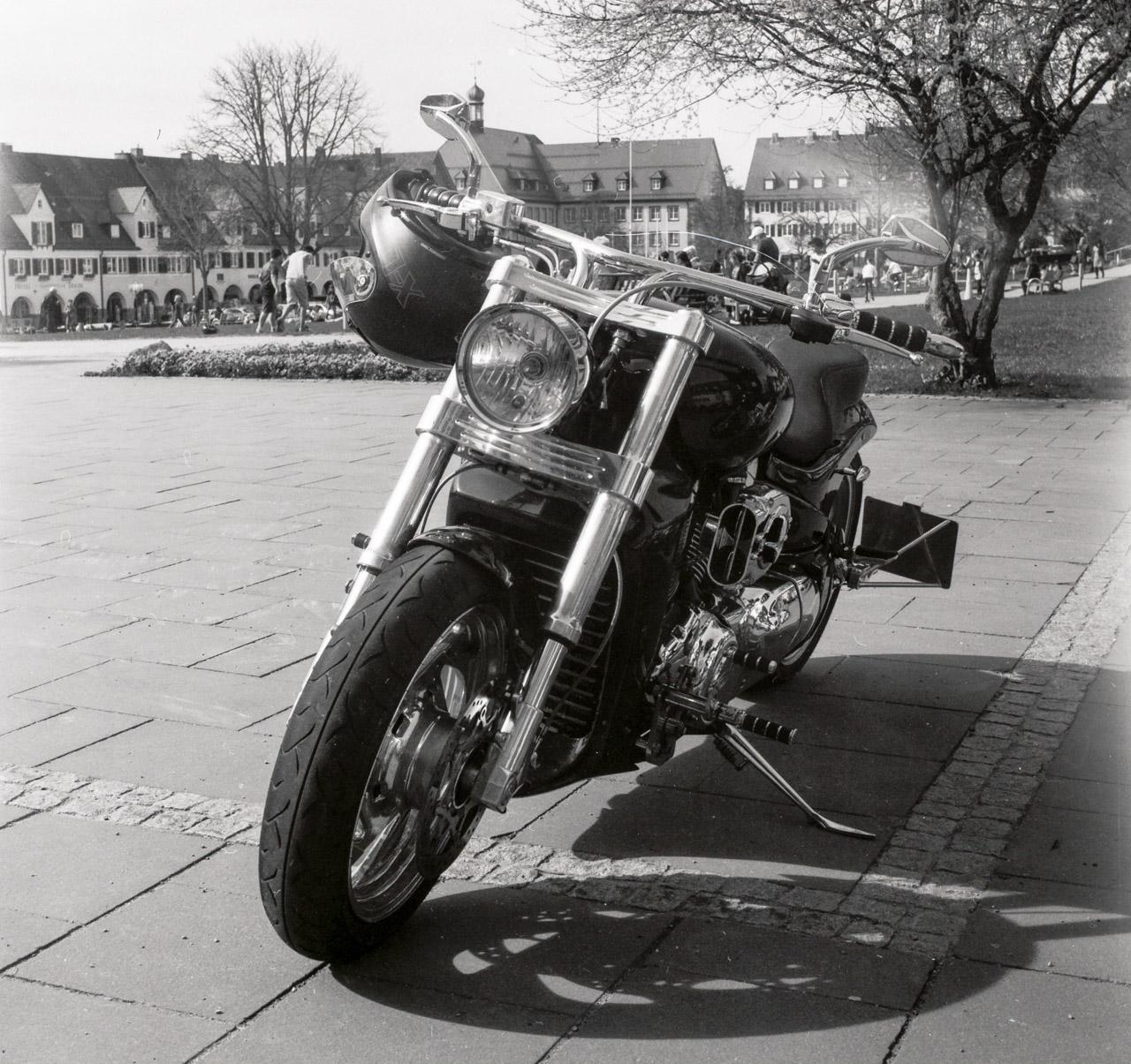 7_Motorrad_IlfordFP4