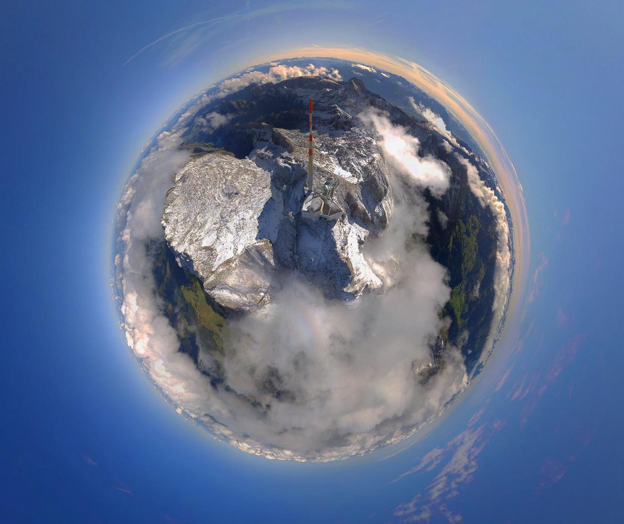 """Sendemast auf dem Säntis als """"Little Planet"""""""