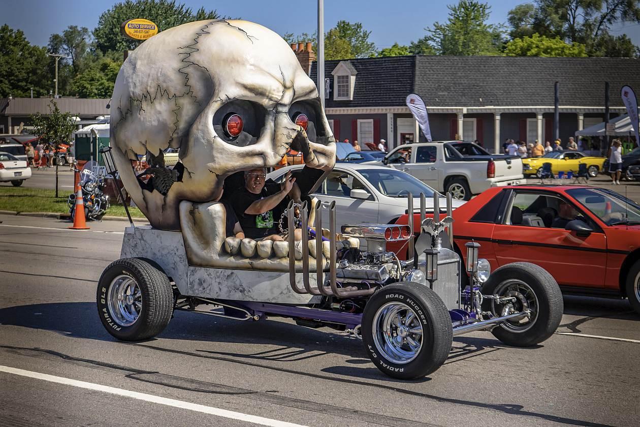 Das Skullmobil auf der Woodward Dream Cruise